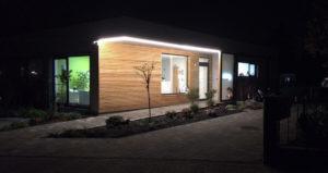 Außenbeleuchtung einer Zahnarztpraxis mit LED Leuchten