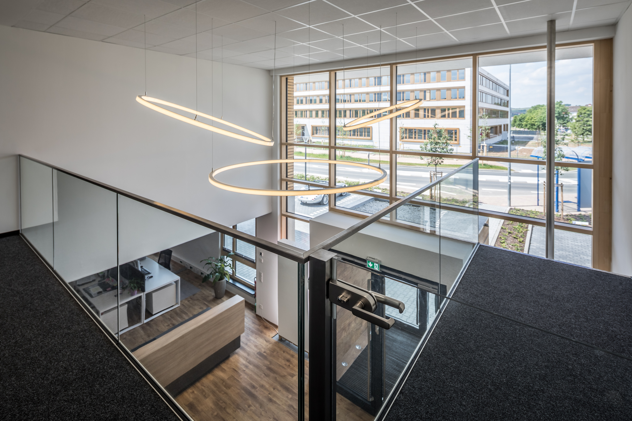 Blick von oben auf das Foyer mit THeO