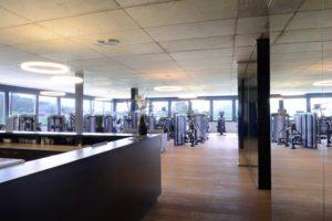 Referenz-Bild-Designer-Leuchte-Theo-im Fitnessstudio