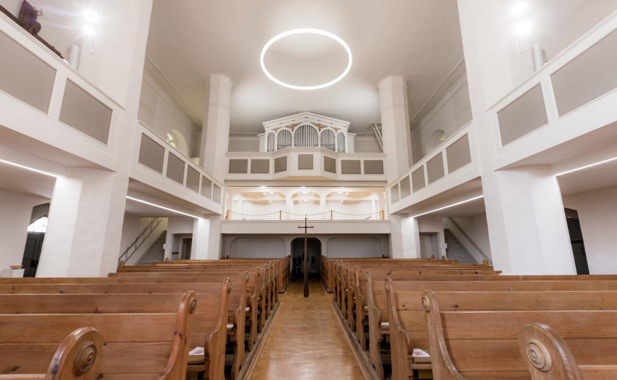 LED-Linienleuchten-und-Ringleuchten-Kirche-St.Barbara-Ortrand