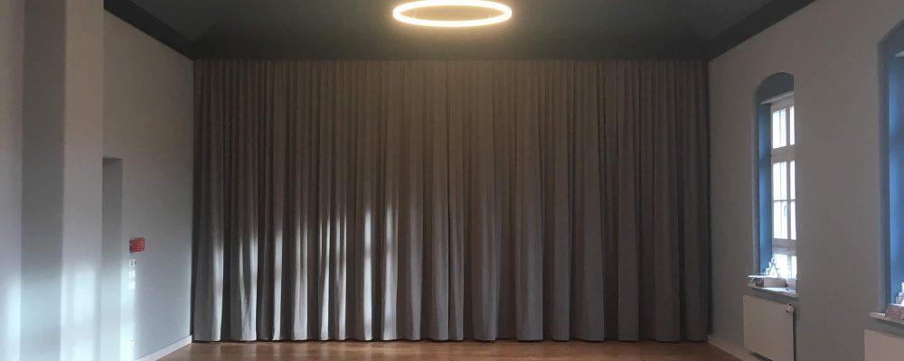 Designer Ring-Leuchte TheO1250 als Sonderanfertigung Ratssaal des Rathauses Dommitzsch in Sachsen